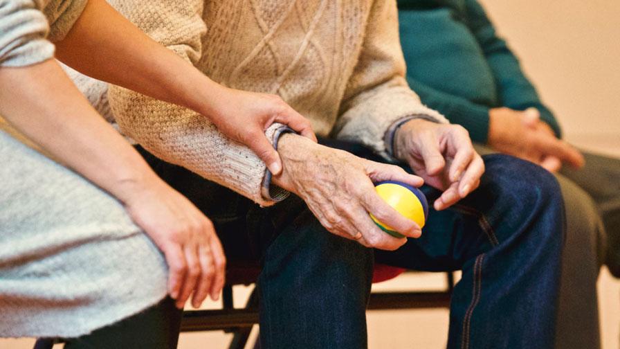 yaşlı-bakım-hizmetleri